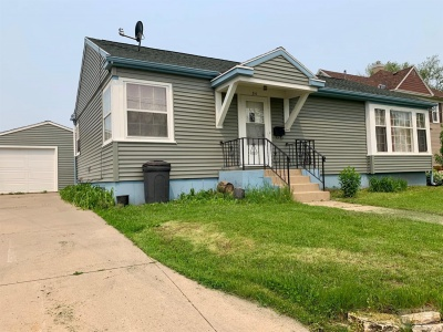 210 15th, Marshalltown, Iowa 50158, 3 Bedrooms Bedrooms, ,2 BathroomsBathrooms,Residential,For Sale,15th,35016910