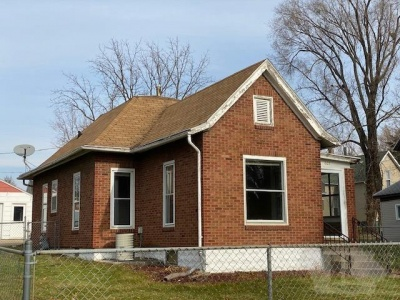 805 Nevada, Marshalltown, Iowa 50158, 2 Bedrooms Bedrooms, ,1 BathroomBathrooms,Residential,For Sale,Nevada,35017928