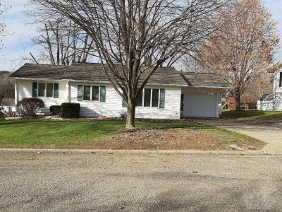 1520 Sunset Drive, Belle Plaine, Iowa 52208, 3 Bedrooms Bedrooms, ,2 BathroomsBathrooms,Residential,For Sale,Sunset Drive,35017952