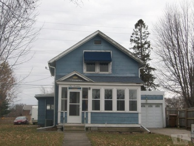 417 Park, Grinnell, Iowa 50112, 2 Bedrooms Bedrooms, ,1 BathroomBathrooms,Residential,For Sale,Park,35017956