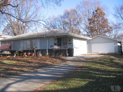 1110 12th, Newton, Iowa 50208, 3 Bedrooms Bedrooms, ,Residential,For Sale,12th,35017978