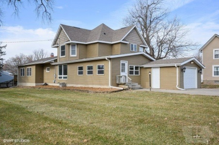 1303 Spencer, Grinnell, Iowa 50112, 4 Bedrooms Bedrooms, ,1 BathroomBathrooms,Residential,For Sale,Spencer,35018049