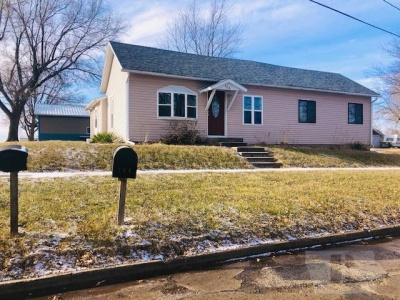 706 3rd, Montezuma, Iowa 50171, 2 Bedrooms Bedrooms, ,2 BathroomsBathrooms,Residential,For Sale,3rd,35018051