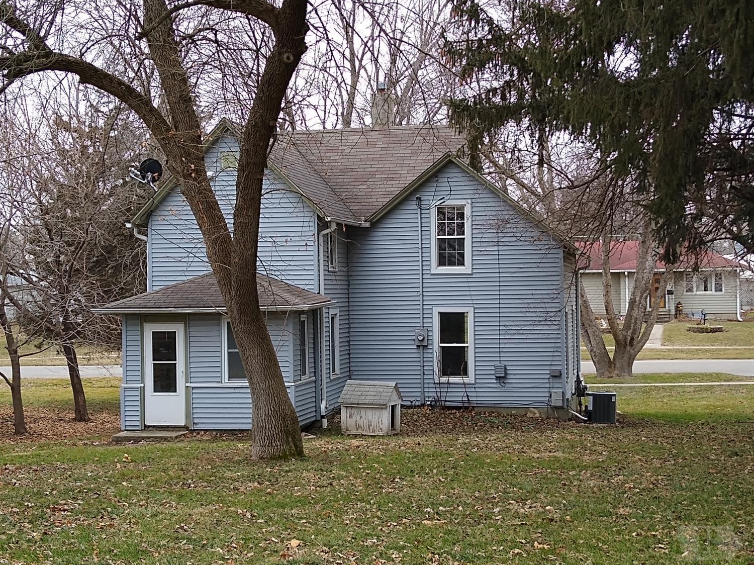 820 Elm, Grinnell, Iowa 50112, 3 Bedrooms Bedrooms, ,1 BathroomBathrooms,Residential,For Sale,Elm,35018083