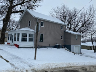 603 Des Moines, Brooklyn, Iowa 52211, 4 Bedrooms Bedrooms, ,1 BathroomBathrooms,Residential,For Sale,Des Moines,35018108