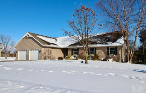 1914 Reed, Grinnell, Iowa 50112, 5 Bedrooms Bedrooms, ,1 BathroomBathrooms,Residential,For Sale,Reed,35018132